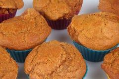Karottenkuchenmuffins Stockfoto