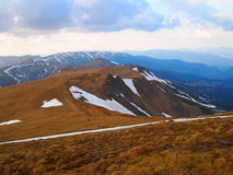 Karpackie góry 21 pod śniegiem w wiośnie Obraz Royalty Free