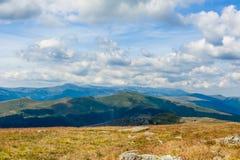 Karpatische bergen onder de wolken Royalty-vrije Stock Afbeelding