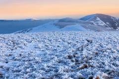 Karpatische bergen opzichtige heuvels Stock Afbeeldingen