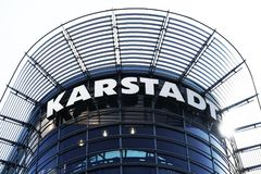 Karstadt-Kaufhauslogo Lizenzfreies Stockfoto