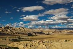 Karstlandform i Tibet Royaltyfria Bilder