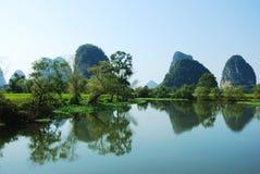 Karstlandskap i Guilin, Kina Fotografering för Bildbyråer