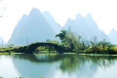Karstlandskap i Guilin, Kina Royaltyfri Fotografi