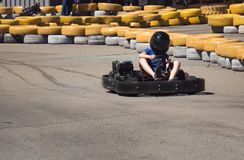 Kart d'enfants à la grande vitesse photos libres de droits