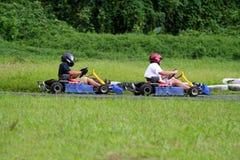 Kart em uma volta foto de stock