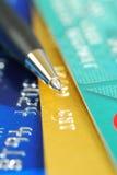 kart kredyta pióro kilka nakrywa Obrazy Royalty Free
