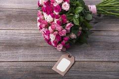 Karta i bukiet róże Obrazy Stock