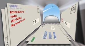 Karta kredytowa oferuje i promocje w kopertach zobaczą od wśrodku skrzynki pocztowej patrzeje zewnętrzne Zakończenie w górę, szer ilustracja wektor