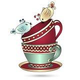 Karta z herbacianymi filiżankami i sztuka ptakami obraz stock