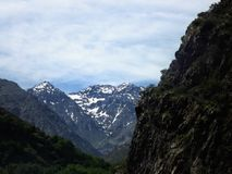 Kartbokberg nära Toubkal royaltyfri foto