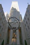Kartbokstaty som rymmer världen på den Rockefeller mitten, New York City, New York Arkivfoton