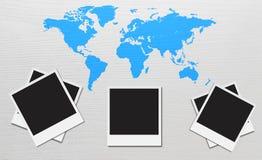 Karte auf hölzernem Hintergrund Lizenzfreies Stockbild