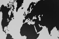 Karte der Welt in der Wand lizenzfreie stockfotografie