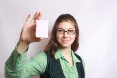 Karte in einer Hand. Stockbild
