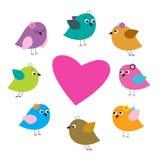 Karte mit buntem Vogel und Herzen Lizenzfreie Stockfotografie