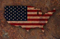 Karte und Flagge der USA auf rostigem Metall Stockbild