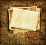 Karte und Fotos auf Papier Stockfotos