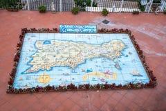 Karte von Capri malte auf glasig-glänzende Fliesen Stockbild