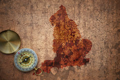 Karte von England auf einem alten Weinlesesprungspapier Lizenzfreie Stockfotografie