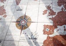 Karte von Portugal-atMonument zu den Entdeckungen Lissabon Portugal Stockbild