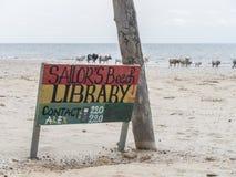Kartell på stranden Arkivfoto