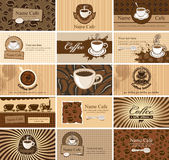 Karten auf Kaffee Stockbild