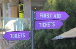 Karten-Toilettenzeichen der ersten Hilfe Stockbilder