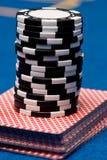 Karten und Chips Lizenzfreie Stockfotos