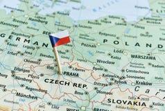Kartenflaggenstift der Tschechischen Republik Stockfotografie