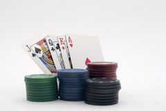 Kartenspiel mit Chips Stockfoto