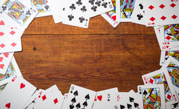 Kartenstapel benutzt als Grenze Stockbilder