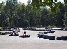 Karting Entretenimiento público para los niños en el parque imagenes de archivo