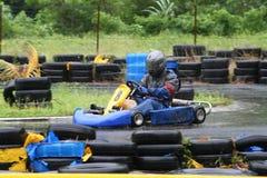 Karting nella pioggia 1 immagine stock