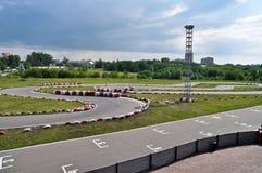 Karting Spur des Asphalts lizenzfreie stockbilder