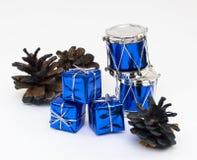 Kartka bożonarodzeniowa z piłkami i dekoracjami na a Zdjęcie Stock
