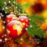 Kartka Bożonarodzeniowa Z Trzy Wiszącymi Czerwonymi Bożenarodzeniowymi piłkami z ziemią royalty ilustracja