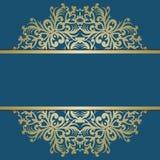 Kartka z pozdrowieniami z rocznika złocistym ornamentem i miejsce dla teksta sig royalty ilustracja