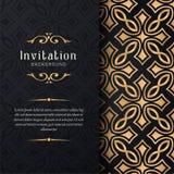 Kartki z pozdrowieniami zaproszenie z koronkowymi i kwiecistymi ornamentami, Złocista ornamentacyjna deseniowa tło ilustracja, royalty ilustracja