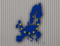 Kartlägga och flaggan av EU på korrugerat järn royaltyfria foton