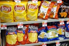 Kartoffel Chips Bags lizenzfreies stockbild