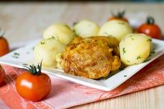 Kartoffel mit Huhn Stockfotografie