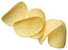 Kartoffelchips getrennt auf weißem Hintergrund Lizenzfreie Stockfotos