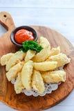 Kartoffelhautsnack für Ihren Tag lizenzfreies stockbild