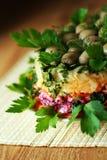 Kartoffelkopfsalat mit Pilzen und Karotte Stockfotos