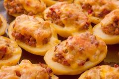 Kartoffeln angefüllt mit gehacktem Lizenzfreie Stockfotografie