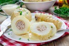 Kartoffeln angefüllt mit gehacktem Fleisch Stockfotografie