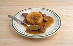 Kartoffelpürees mit Soßen- und Rindfleischtippmahlzeit Lizenzfreie Stockfotos