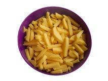 Kartoffelscheiben in einem Teller lokalisiert Stockfotografie