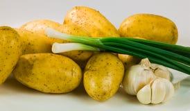 Kartoffelzwiebel und -knoblauch Lizenzfreies Stockbild